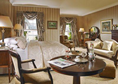 Deluxe Bedroom 1